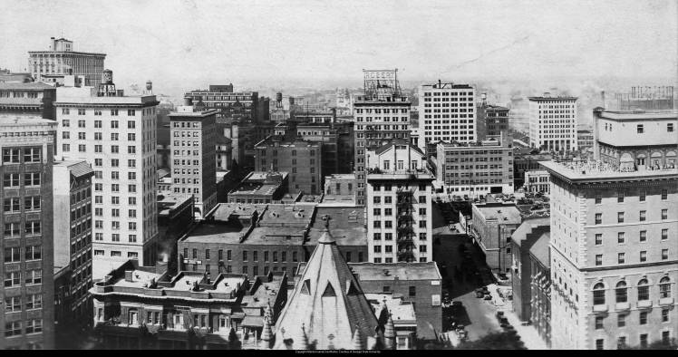 Skyline_and_city_view_of_Atlanta_Georgia_mid_1920s-2jx5edw